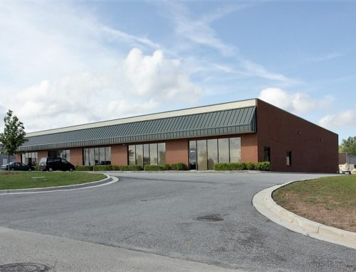 ➡3633 Southland Drive Suites D & E Flowery Branch, GA. 30542-Approx. 6,000 SF with 1 Acre of fenced in outside storage!⬅